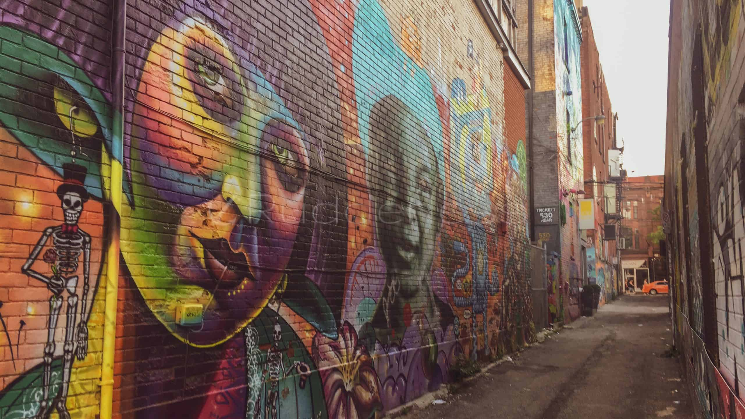 graffiti alley - stuff to do in toronto