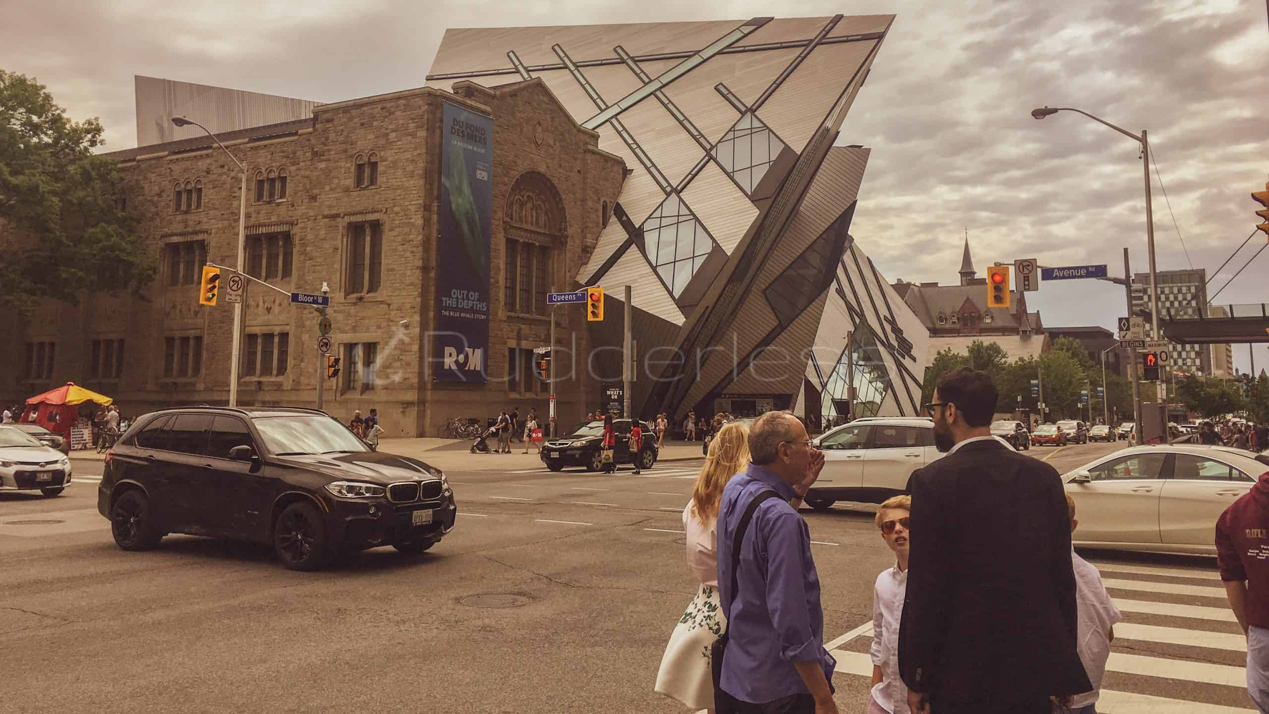 Royal ontario museum what to see in downtown toronto
