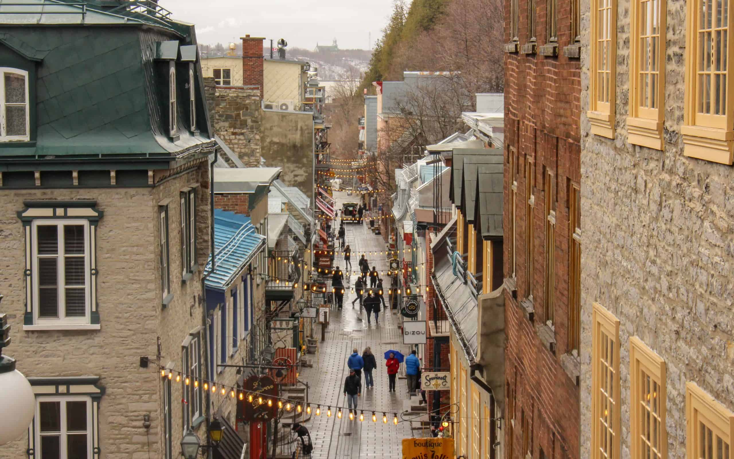 places-to-visit-in-quebec-Rue-du-Petit-Champlain
