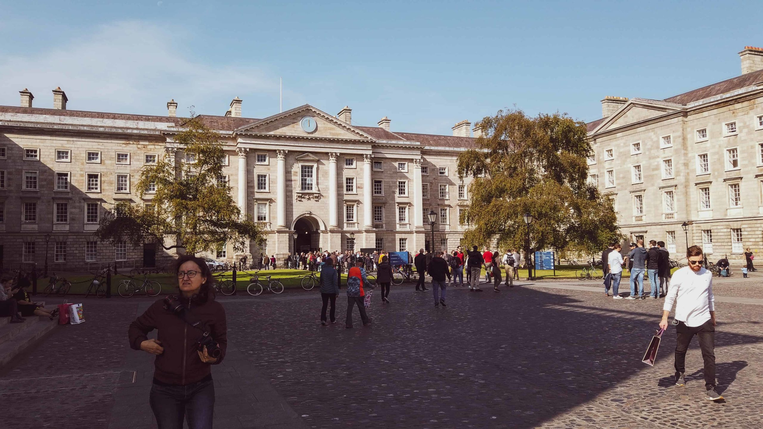 2 days in ireland - trinity college