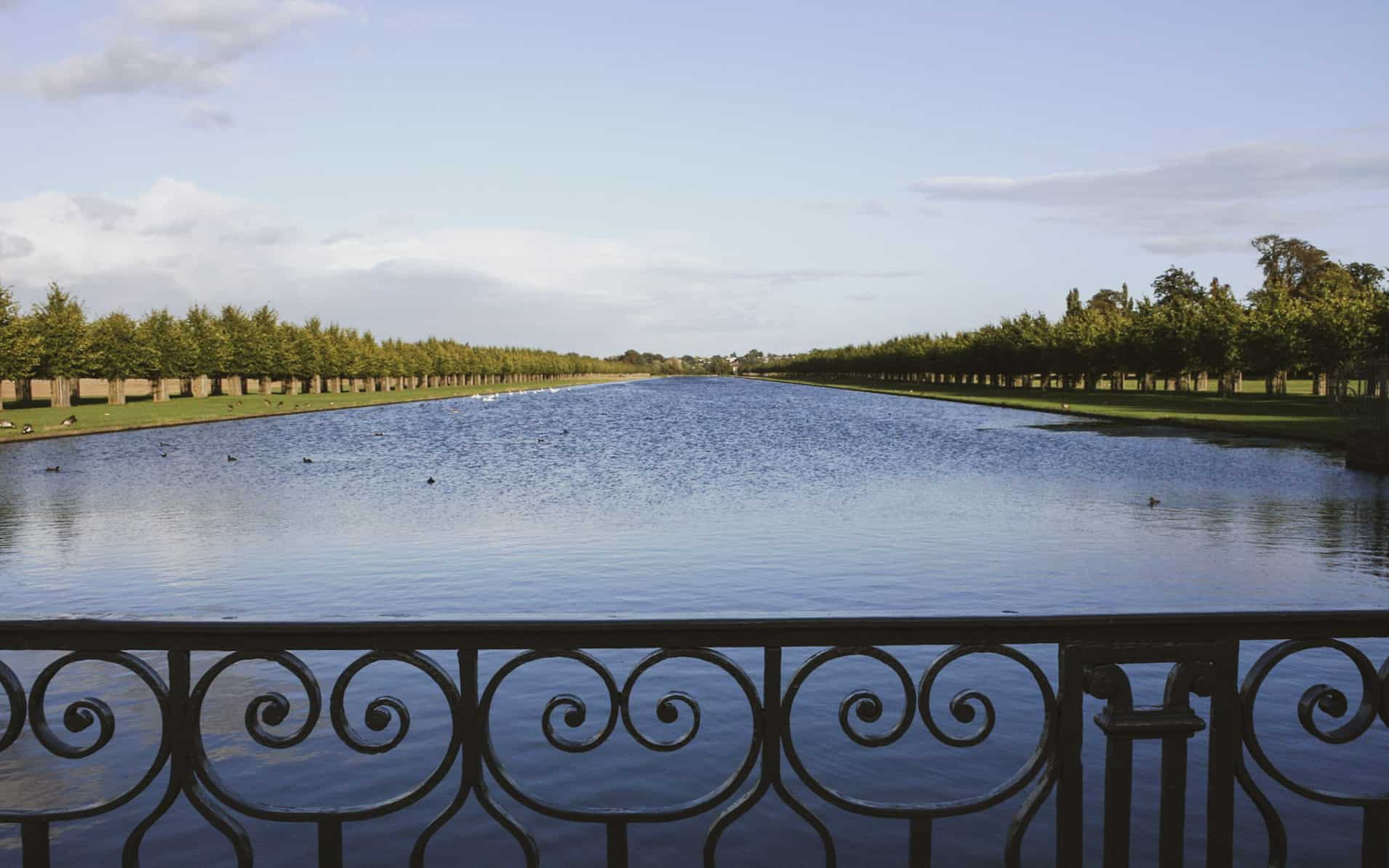 walks near london - hampton-court